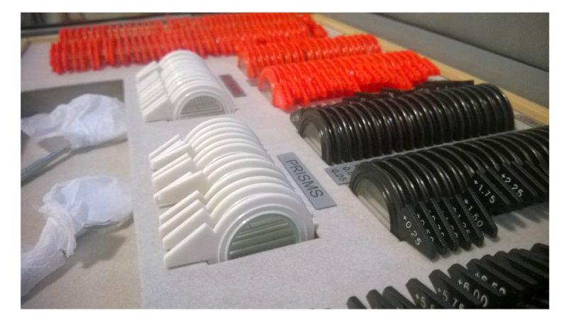 KASETA OKULISTYCZNA 230 soczewek plastik kolor, walizka skóra eco full